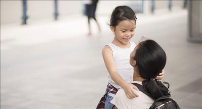 برای مقابله با سو استفاده جنسی و کودک آزاری چه آموزش هایی به فرزندم بدهم؟