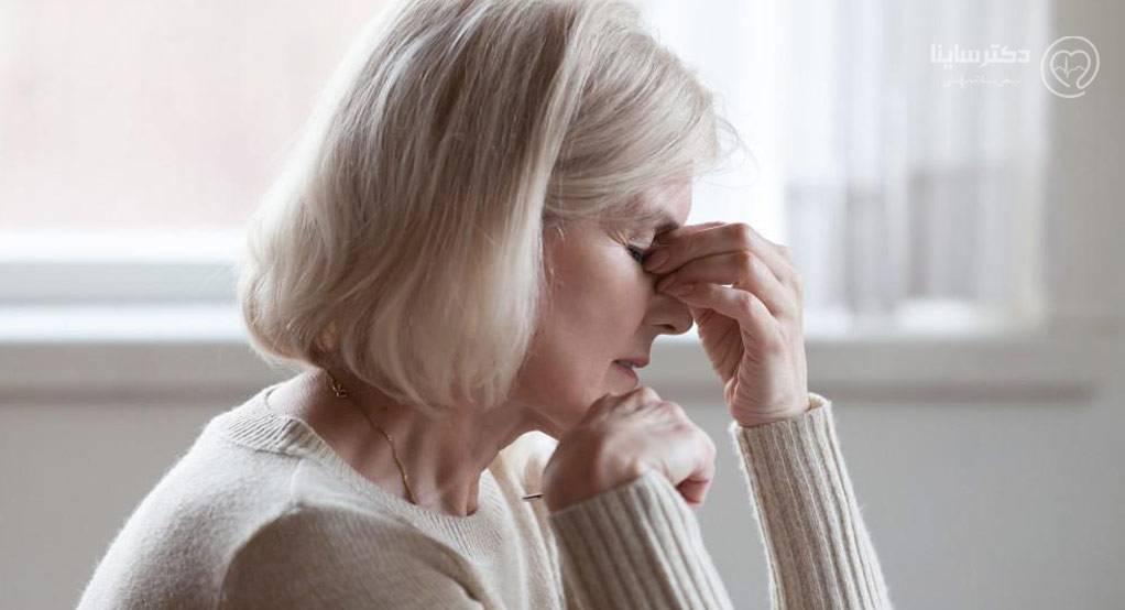 عوارض یائسگی چیست؟ آیا درمان شدنی است؟